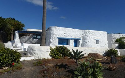 La Graciosa Apartments or Camping? Two completely different options for staying in La Graciosa
