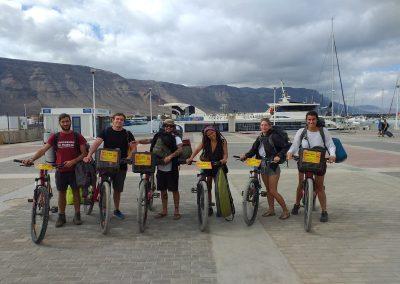 Grupo-biciletas- puerto-Caleta-de-Sebo