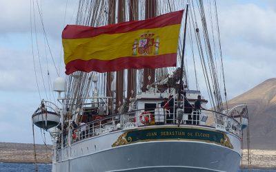 El buque Juan Sebastián Elcano llega a La Graciosa